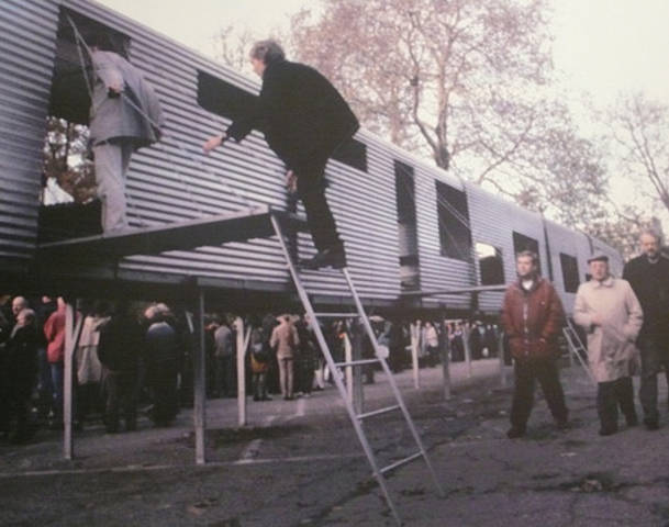 Acconci Studio, Mobile Linear City, 1991, installation including six mobile housing units.